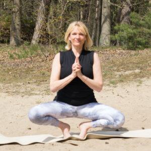Hatha yoga door Petra